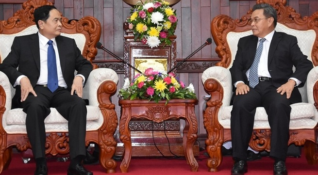 Vietnamese, Lao fronts discuss enhacing ties