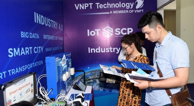 IT Techmart 2018 kicks off in Hanoi