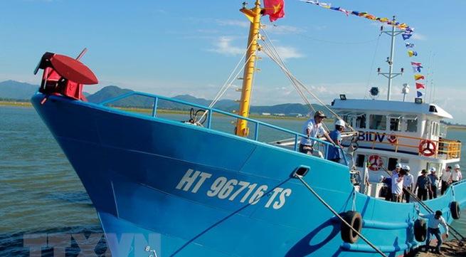 Ha Tinh fishermen recover after sea incident
