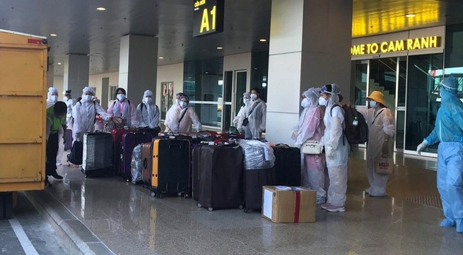 Nearly 300 Vietnamese citizens brought home from US, Japan