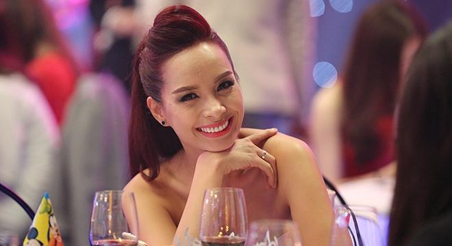 Trò chuyện trực tuyến với người mẫu Thúy Hạnh