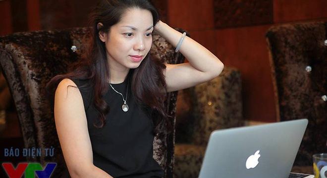Trò chuyện trực tuyến với nhà báo Trần Hồng Hà