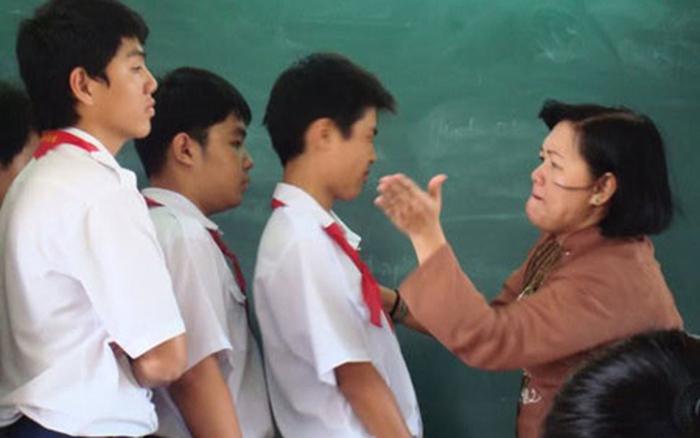 Kết quả hình ảnh cho cô giáo đánh học sinh