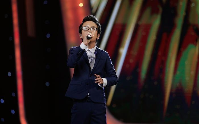Vietnam Idol Kids: Hát nhạc Phan Mạnh Quỳnh, hoàng tử Bolero làm xiêu lòng  Isaac