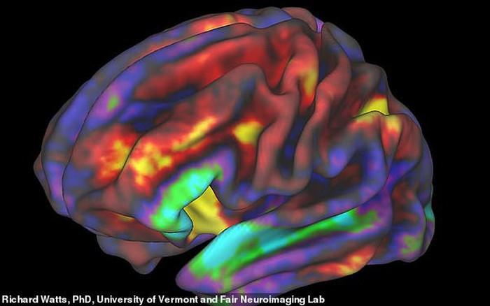 Sử dụng điện thoại quá nhiều ảnh hưởng nghiêm trọng tới cấu trúc não trẻ em