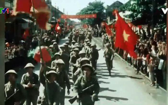 Hình ảnh đoàn quân chiến thắng trở về tiếp quản Thủ đô 65 năm trước   VTV.VN