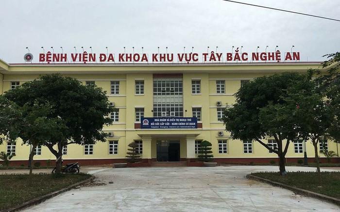 Nghệ An: Hai bé gái song sinh tử vong bất thường sau tiêm vaccine viêm gan B