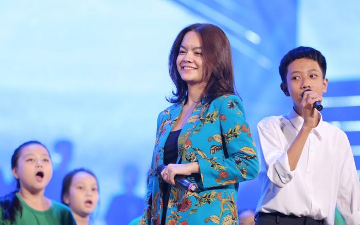 """Phạm Quỳnh Anh: """"Tôi phải thật thành công để có thể giúp đỡ được mọi người"""""""