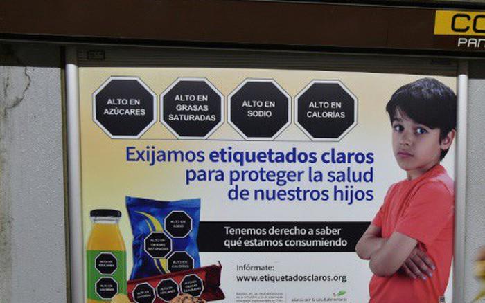 Mexico thông qua dự luật dán nhãn cảnh báo đối với đồ ăn vặt