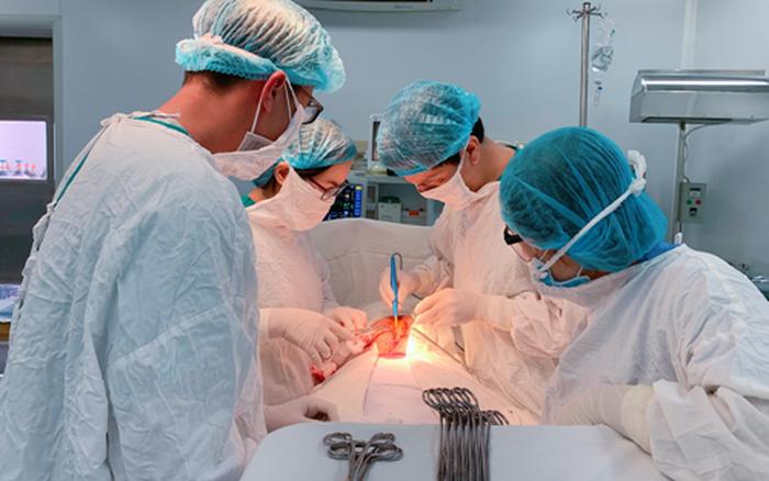 Ra máu âm đạo gần 1 tháng, đi khám phát hiện u nang buồng trứng