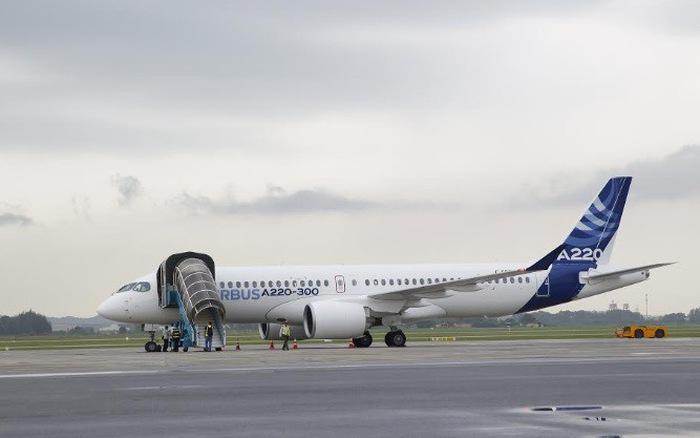 Máy bay Airbus A220-300 đến Việt Nam