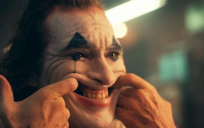 """""""Joker"""" trở thành bộ phim 17+ đầu tiên cán mốc doanh thu 1 tỷ USD"""