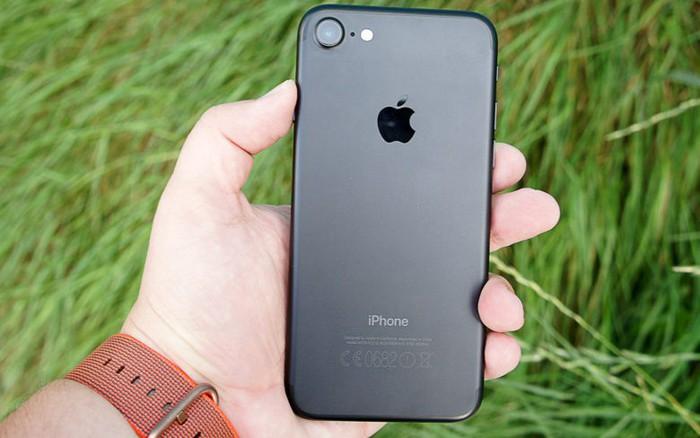 Apple bán iPhone 7 với giá chỉ hơn 9 triệu đồng