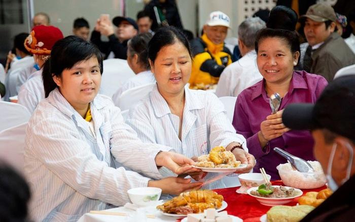 Bữa cơm tất niên ấm áp trong bệnh viện - xổ số ngày 13102019