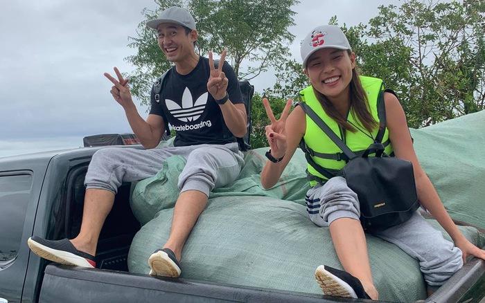 Thúy Diễm cùng chồng Lương Thế Thành đi cứu trợ miền Trung   VTV.VN
