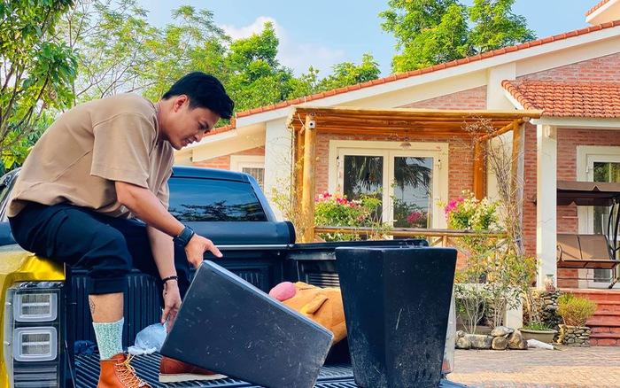 Thoát vẻ bảnh bao, Hồng Đăng trở về làm anh thợ chăm vườn