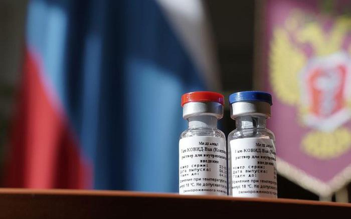 Được tiêm vaccine Sputnik V, 4 bác sĩ Nga vẫn mắc COVID-19