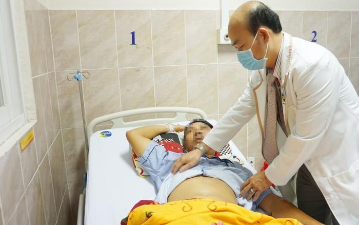 Cứu người đàn ông nguy kịch do vỡ lách sau tai nạn giao thông