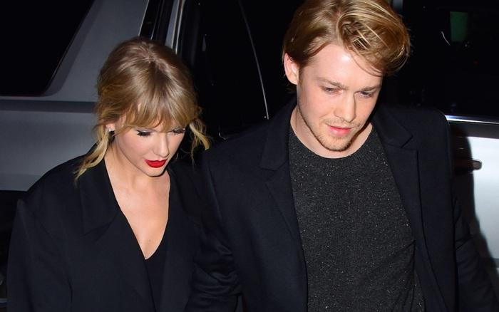 Taylor Swift tiết lộ bạn trai cùng sáng tác