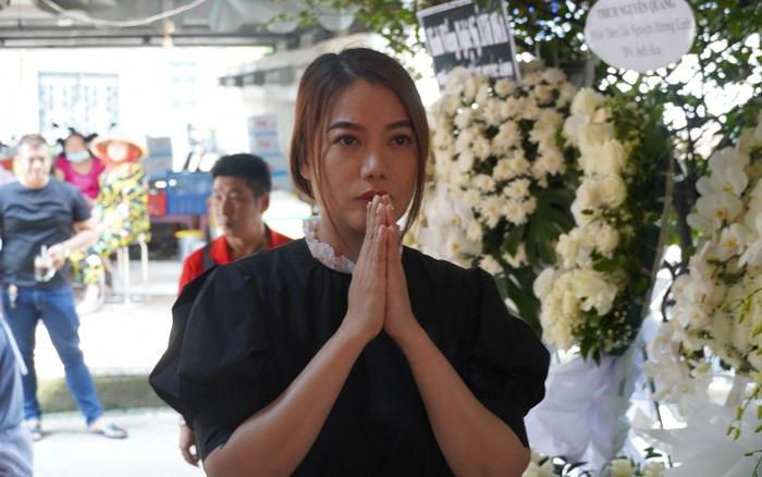 Nhiều sao Việt có mặt đưa tiễn nghệ sĩ Ánh Hoa