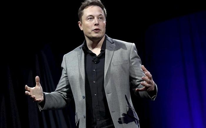 Elon Musk chi 250.000 USD mua vé bay vào vũ trụ