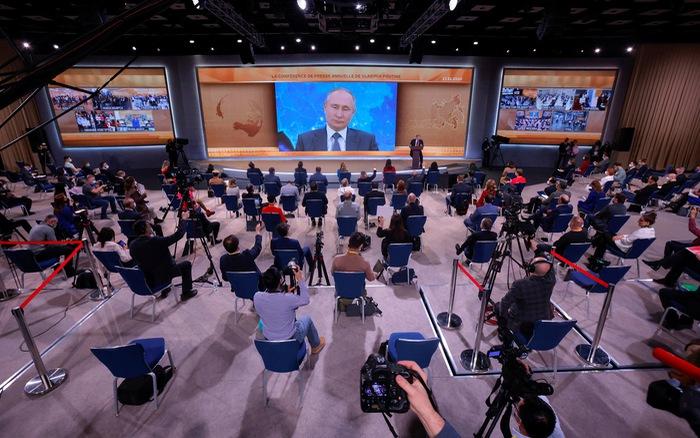 Tổng thống Nga Putin sẵn sàng tiêm vaccine Sputnik V dù đã quá tuổi khuyến cáo