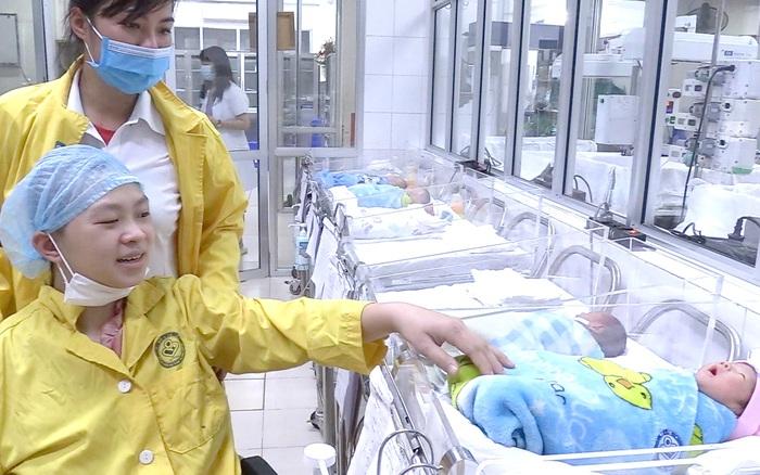 Cứu mẹ con sản phụ mang thai 30 tuần bị tai nạn giao thông nghiêm trọng