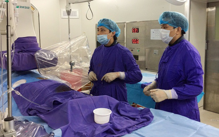 Cứu bệnh nhân vỡ phình động mạch não phức tạp