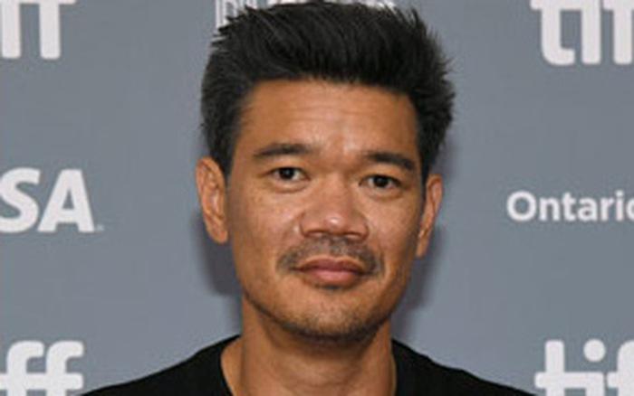 Đạo diễn phim siêu anh hùng châu Á đầu tiên của Marvel âm tính với COVID-19