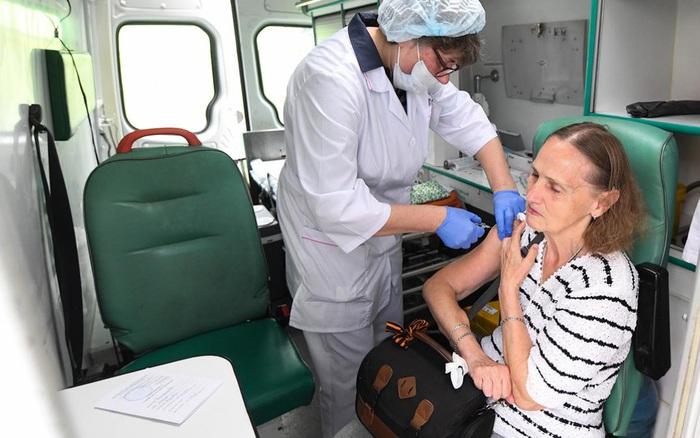 Số ca mắc COVID-19 tại Nga tăng chóng mặt khi vaccine chưa được điều phối