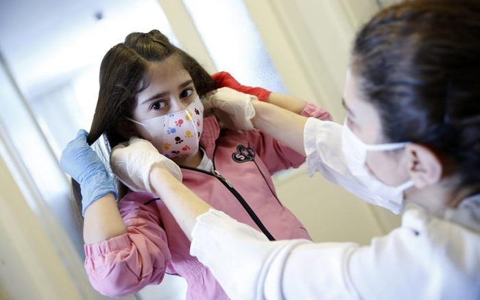 Nửa triệu trẻ em Mỹ đã mắc COVID-19