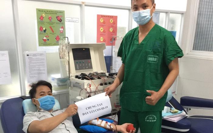Nhân viên y tế hiến tiểu cầu cứu bệnh nhân COVID-19 nguy kịch - power 645