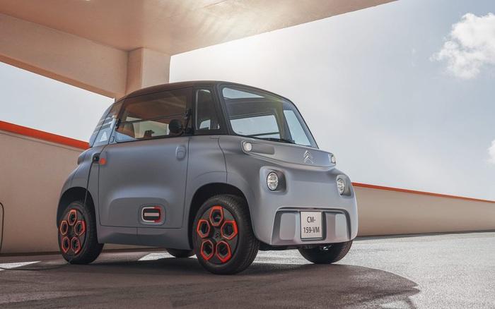 Pháp thử nghiệm dòng xe ô tô điện mini dành cho khách hàng 14 tuổi