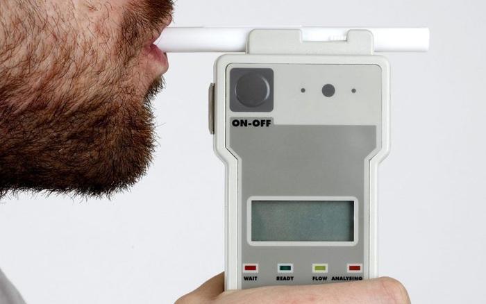 Thử nghiệm thiết bị phát hiện COVID-19 qua hơi thở