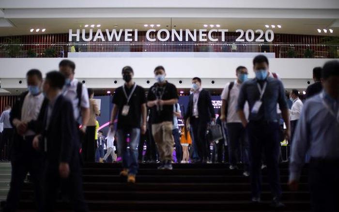 Huawei nỗ lực xây dựng các bản sao thông minh, tung ra các giải pháp mạng lái xe tự hành