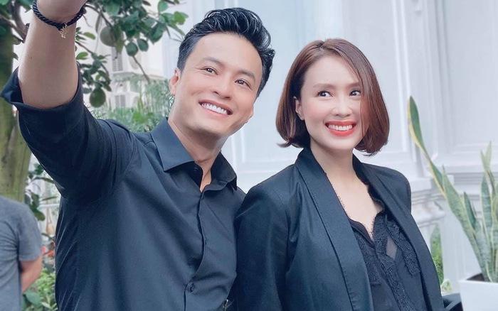 Hồng Diễm mặc vest ren gợi cảm bên Hồng Đăng khiến fan phát sốt