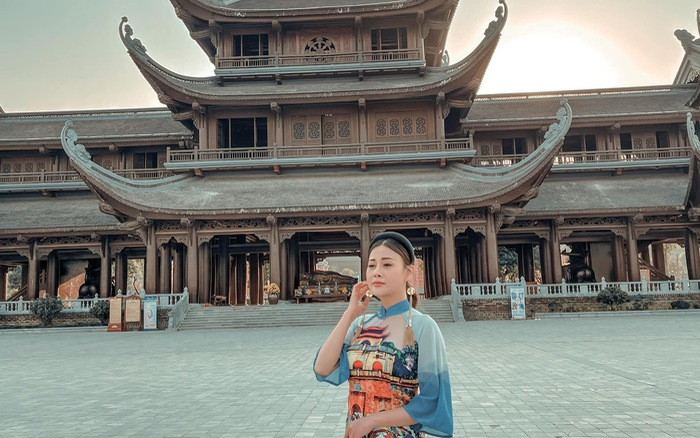 Nhan sắc ngọt ngào của Phương Oanh khi diện áo dài