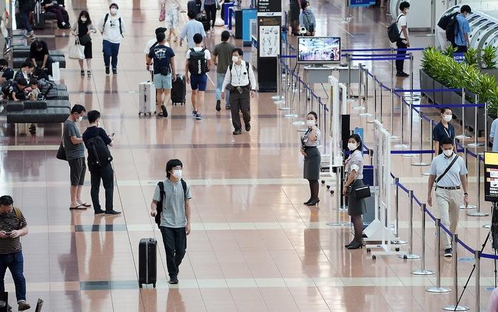 Nhật Bản lập hệ thống giám sát người nước ngoài mắc COVID-19