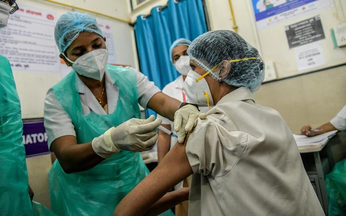 Ấn Độ dỡ bỏ hạn chế thời gian để đẩy nhanh tiến độ tiêm phòng