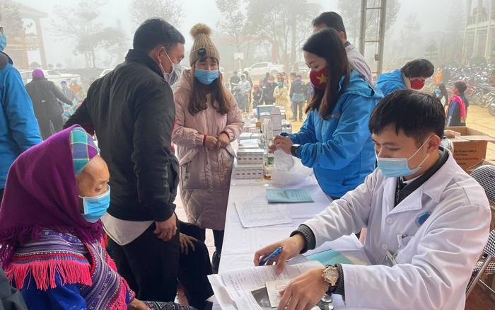 Khám, chữa bệnh miễn phí cho đồng bào vùng cao Lào Cai