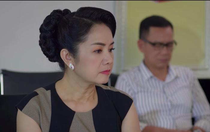 Hướng dương ngược nắng - Tập 10: Bà Bạch Cúc (NSND Thu Hà) ngồi vào ghế  Tổng giám đốc Cao dược - VNReview Tin mới nhất