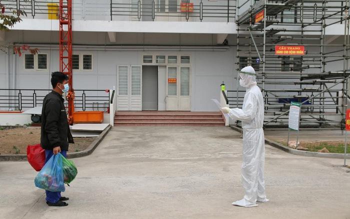 Bệnh viện Dã chiến số 3 Hải Dương tiếp nhận bệnh nhân COVID-19 đầu tiên - quE1BAA3ng20cC3A1o20pqa20lE1BBABa20C491E1BAA3o