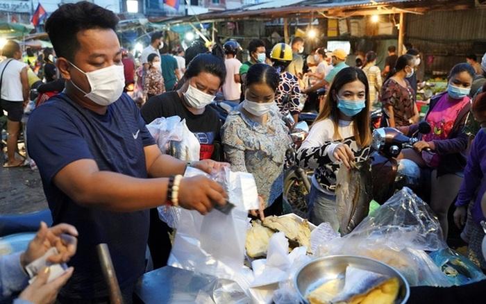 Người dân vẫn tìm cách vào trung tâm Phnom Penh bất chấp lệnh phong tỏa - giá vàng 9999 hôm nay 221