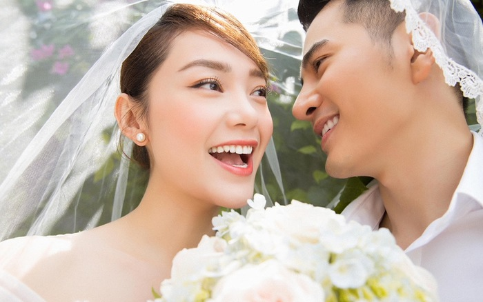 """Minh Hằng khoe ảnh cưới với """"Hotboy nổi loạn 2"""" Trần Huy Anh"""