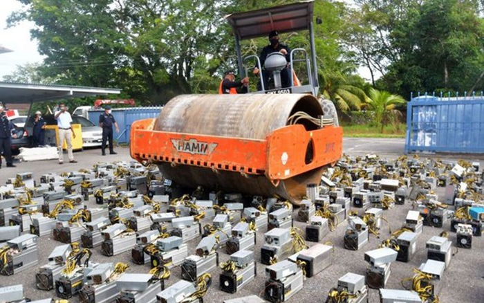 Malaysia triệt phá đường dây câu trộm điện để