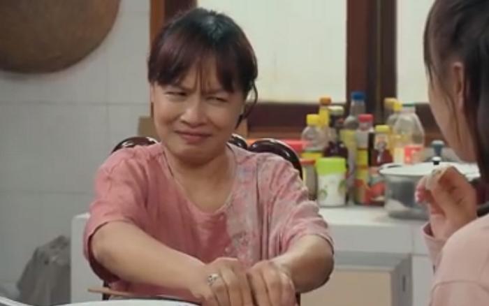 Hương vị tình thân - Tập 58: Bà Bích công khai coi Long - Nam là người yêu