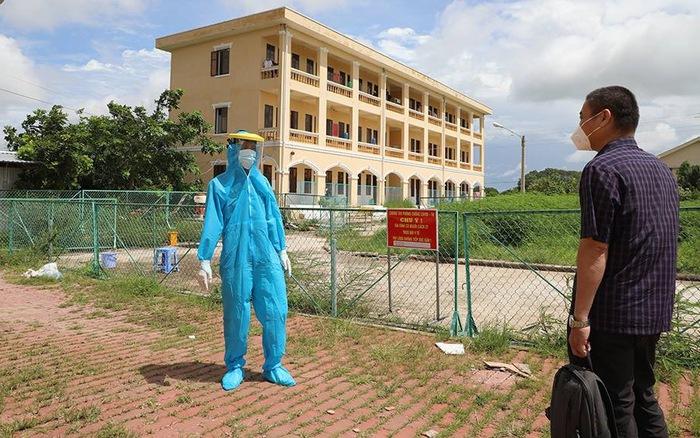 Tổ công tác của Bộ Y tế hỗ trợ Sóc Trăng công tác phòng, chống dịch COVID-19 - bơi