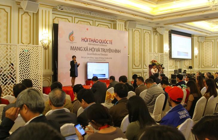 Hội thảo Mạng xã hội và Truyền hình: Bài thuyết trình