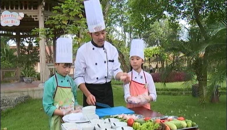 Bếp Việt: Khi trẻ vào bếp - 04/08/2014