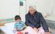 Bé 5 tuổi bị cha chém vào mặt được xuất viện